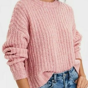 American Eagle crew neck pink sweater
